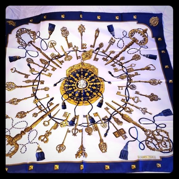 32bf021e90f6 Hermes Accessories - Vintage Hermes scarf